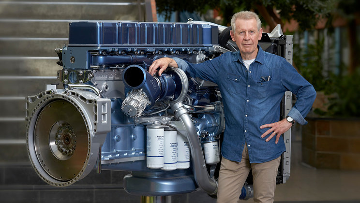 Göran Nyblom infront of the D12 engine