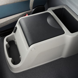 Generous storage possibilities in the Volvo FL cab
